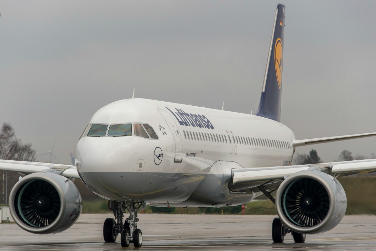 Broadband in the air lifts off on some Lufthansa flights later this year