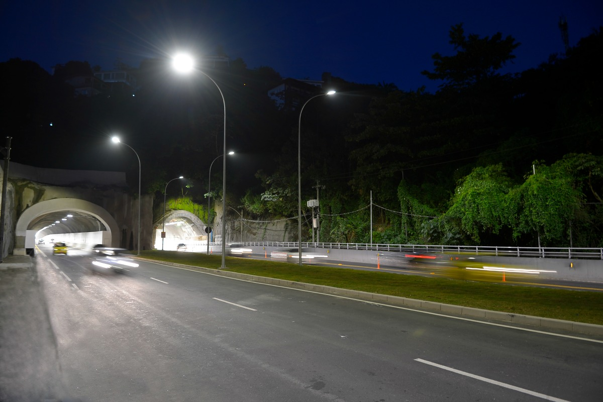 Lighting on the Elevado do Joá highway in the Western part of the city