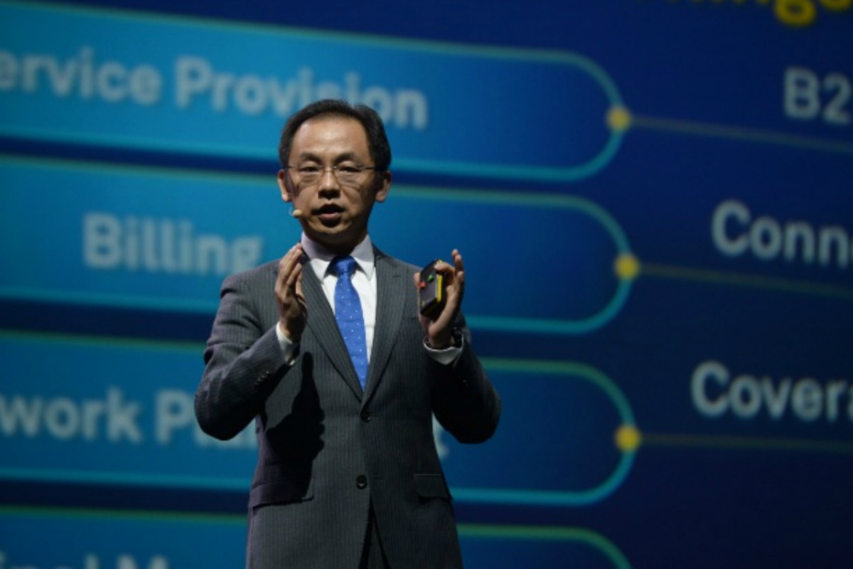 Ryan Ding, president of Huawei products and solutions, launching Things Coverage