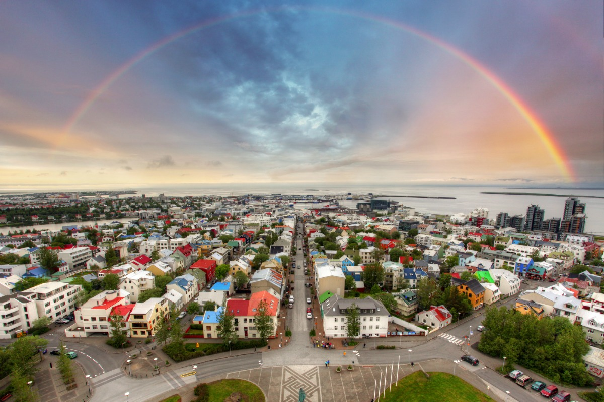 The system is being installed at six selected intersections in Reykjavik
