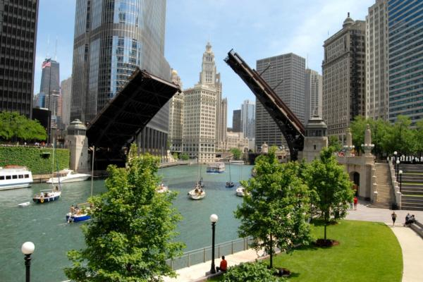 Verizon purchases fibre-optic assets in Chicago