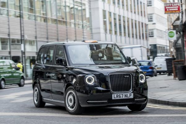 Electric black cabs start London trials